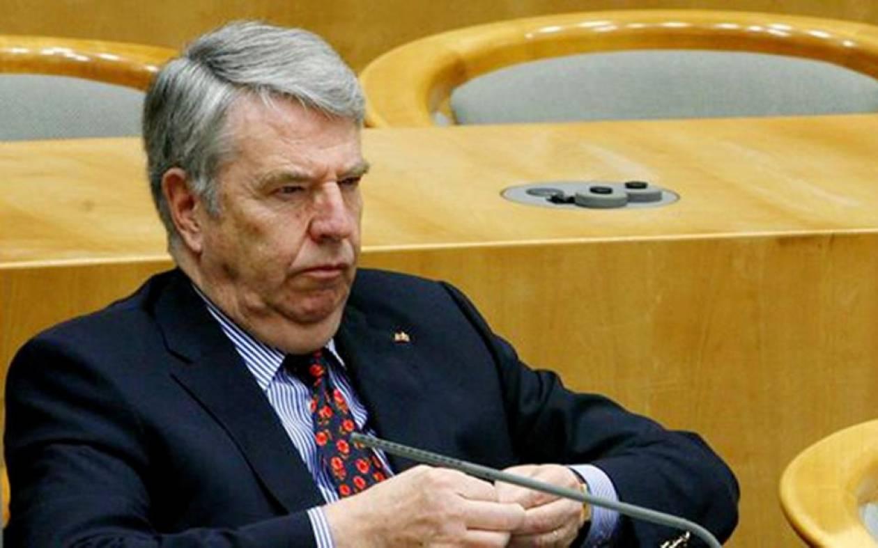Παραιτήθηκε ο φοροφυγάς ταμίας του κόμματος της Μέρκελ