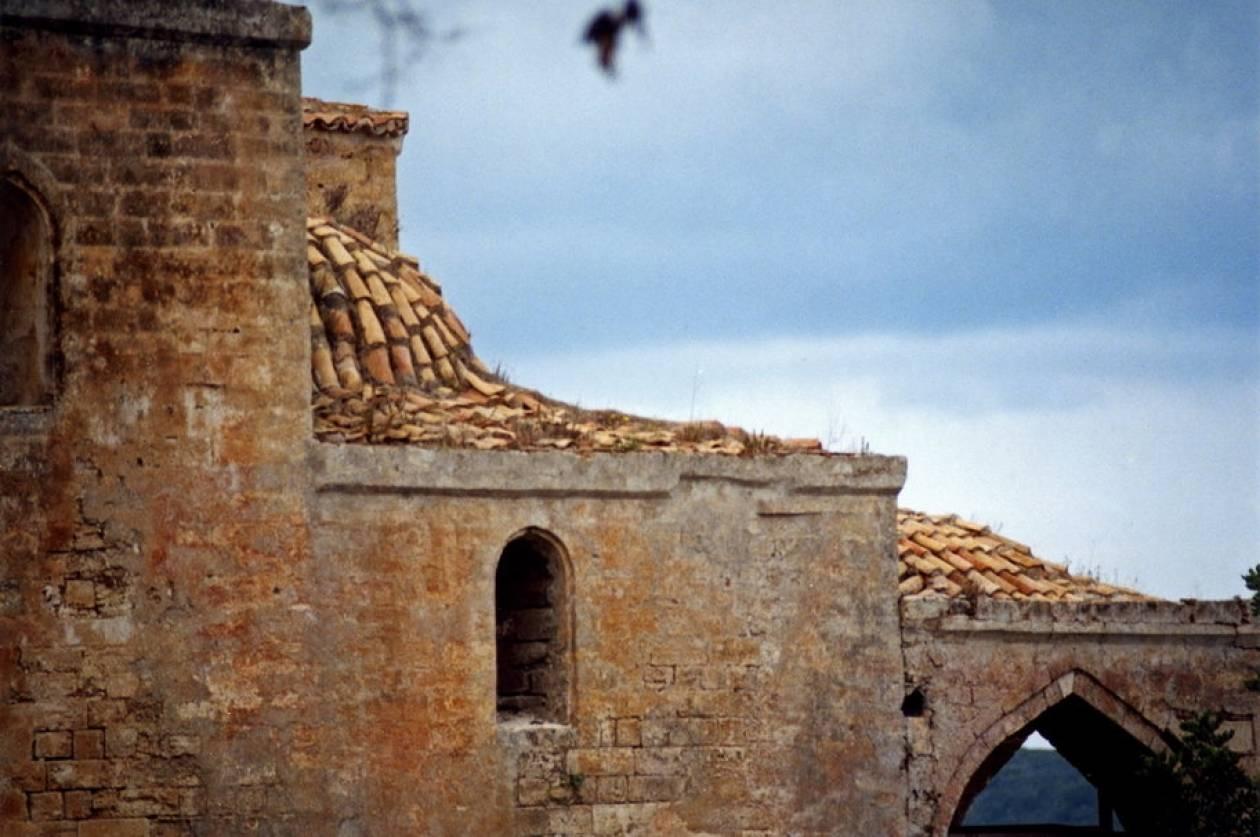 Τουρκική πρόκληση: Κατασκευάζουν τζαμί σε ερείπια εκκλησίας