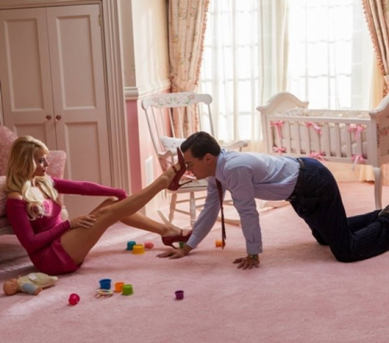 Margot Robbie: Τα σφηνάκια πριν τη γυμνή σκηνή με τον Di Caprio