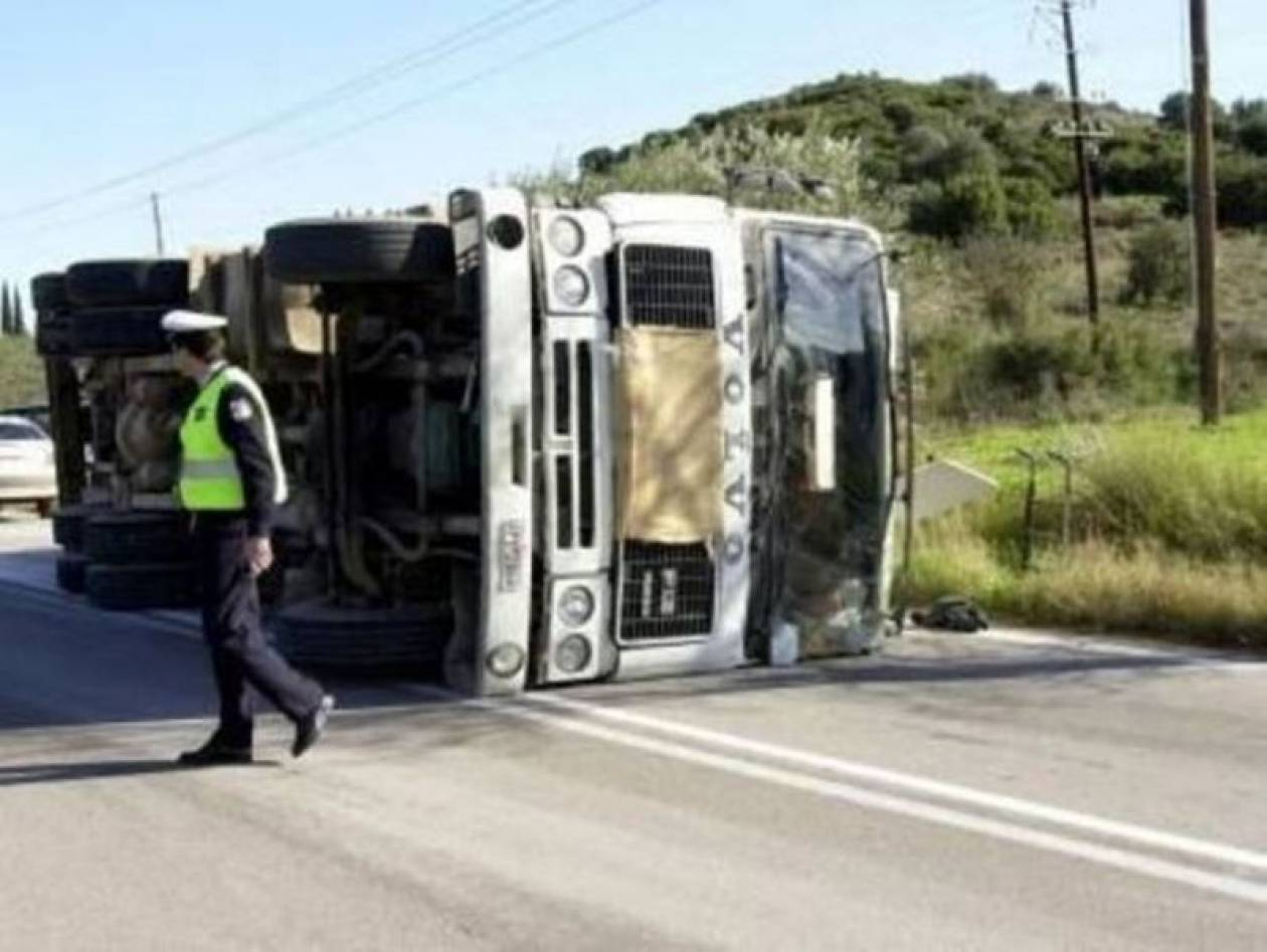 Τραγωδία στη Λάρισα: Καταπλακώθηκε οδηγός νταλίκας