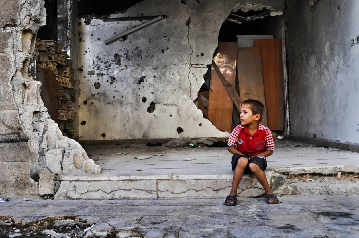 Συρία: 3 τόνοι ανθρωπιστικής βοήθειας στην πόλη Χόμς