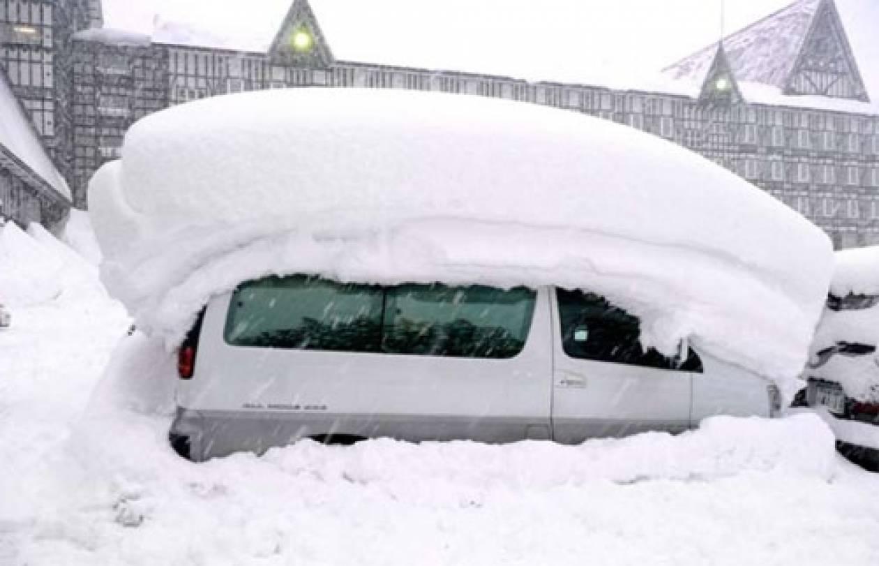 Ιαπωνία: 3 νεκροί και 500 τραυματίες από τη χιονοθύελλα