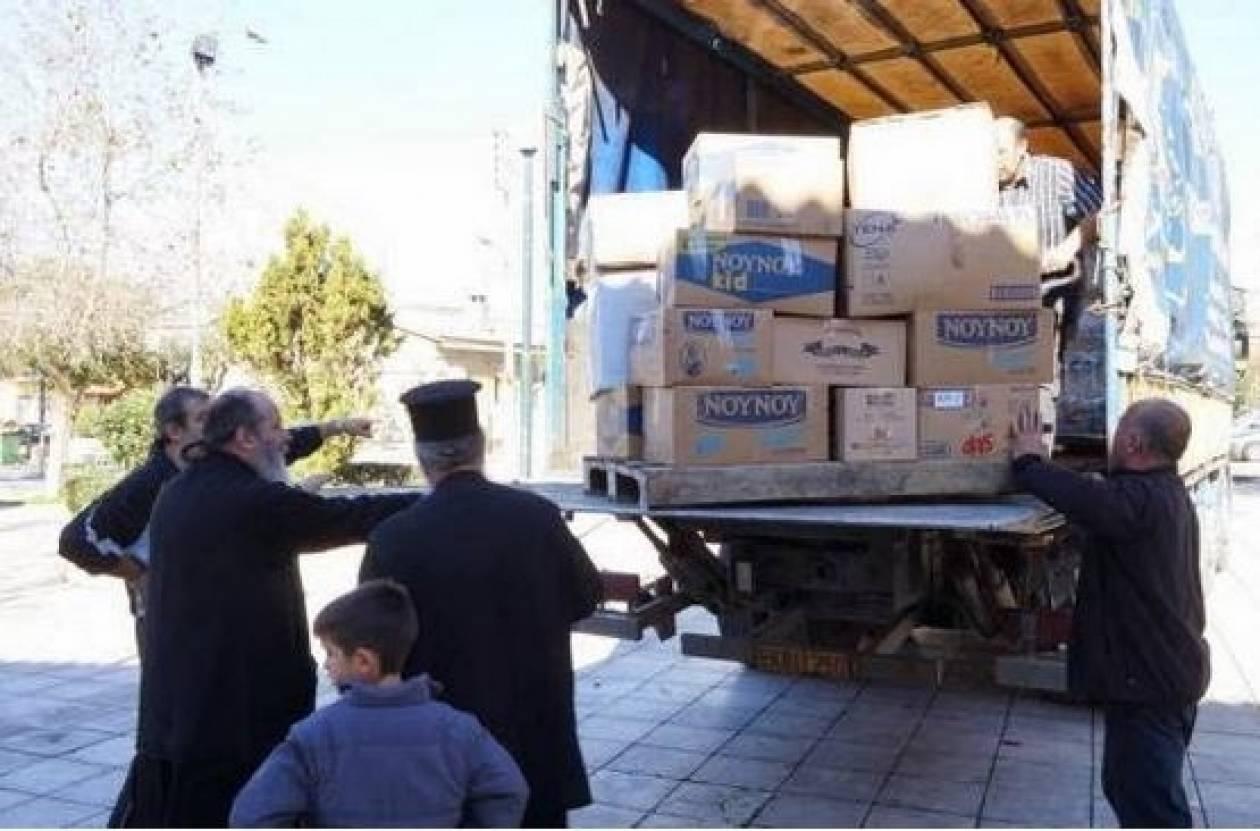 Πάτρα: Ενορίτες του Αγίου Νεκταρίου έστειλαν τρόφιμα στην Κεφαλονιά