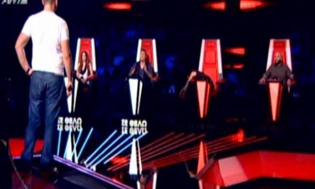 Η Βανδή «κοιμήθηκε» στην καρέκλα του The Voice