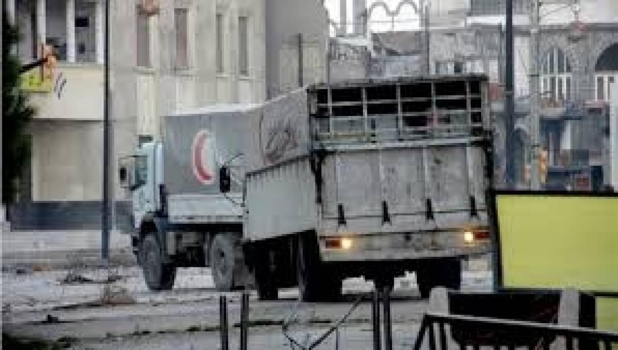 Συρία: Έφθασε η ανθρωπιστική βοήθεια στην Χομς