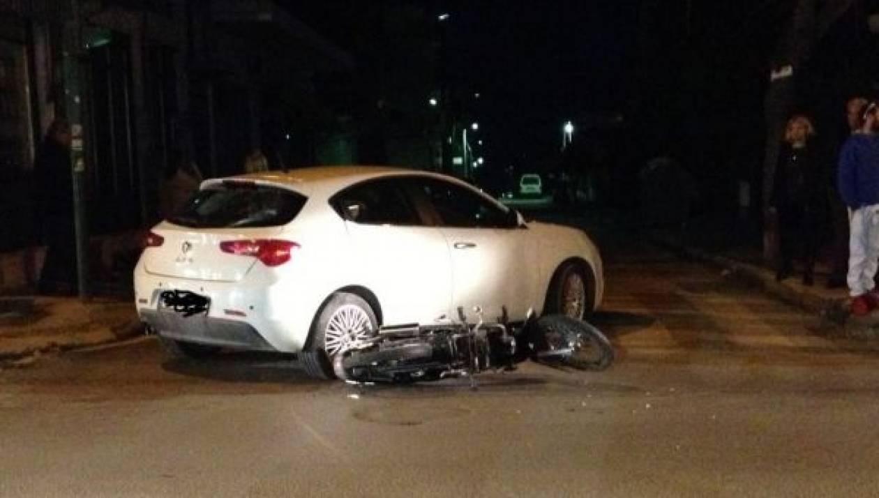 Λάρισα: Όχημα παρέσυρε και τραυμάτισε μοτοσικλετιστή στη Φιλιππούπολη