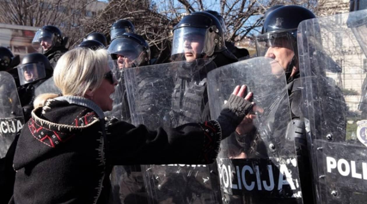 Βοσνία-Ερζεγοβίνη: Συνεχίζονται οι διαδηλώσεις στο Σαράγεβο
