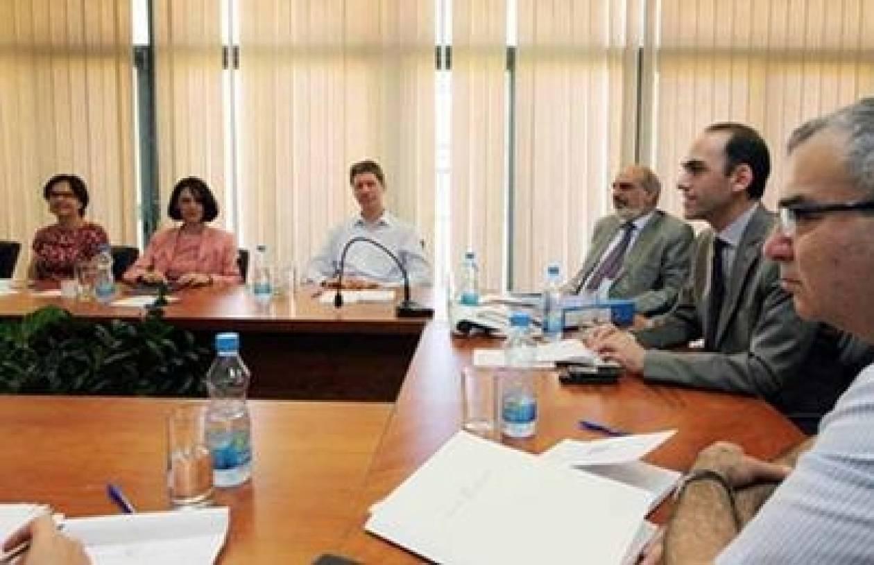 Συνάντηση Τρόικας - ΥΠΟΙΚ και Διοικητή Κεντρικής Τράπεζας