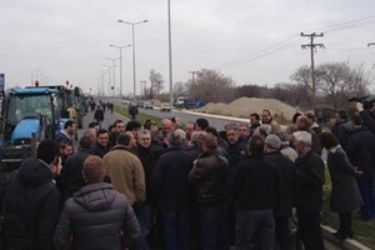 Συμπαράσταση αστυνομικών στους αγρότες