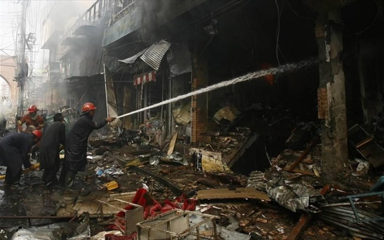 Πακιστάν: Τέσσερις νεκρές γυναίκες σε επίθεση καμικάζι