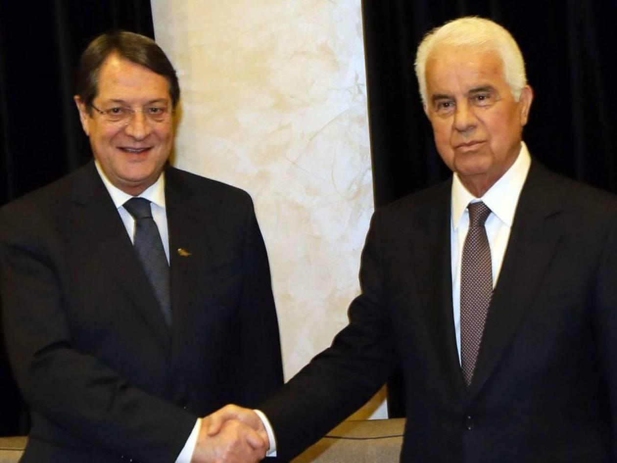 Ολοκληρώθηκε η συνάντηση Έρογλου-Αναστασιάδη: Το ανακοινωθέν
