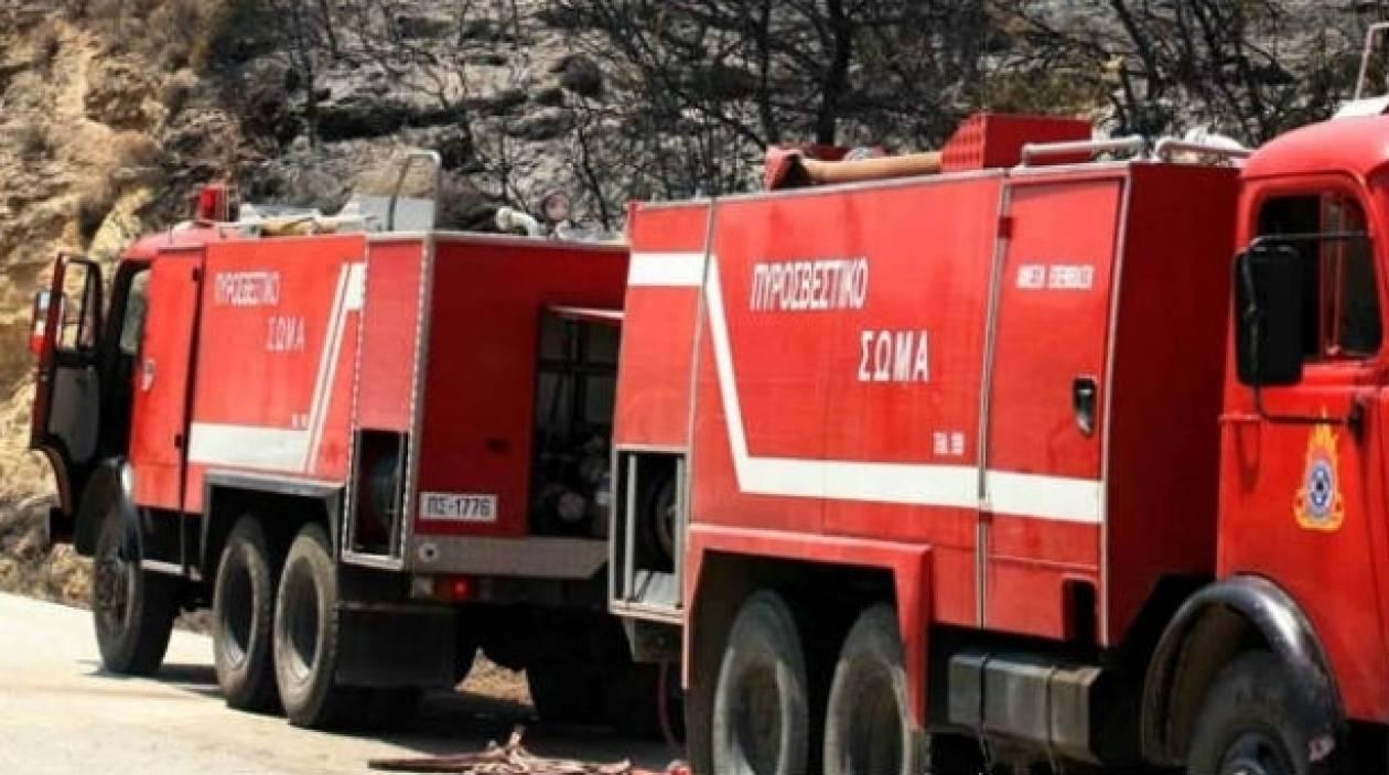 Μεγάλη φωτιά σε τυροκομείο στο Αμάρι Ρεθύμνου