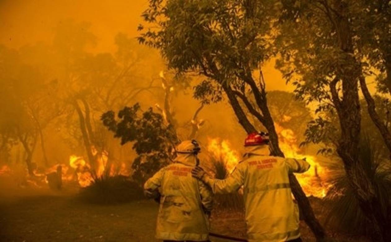 Για έναν ολόκληρο μήνα καίει πύρινο μέτωπο στην Αυστραλία
