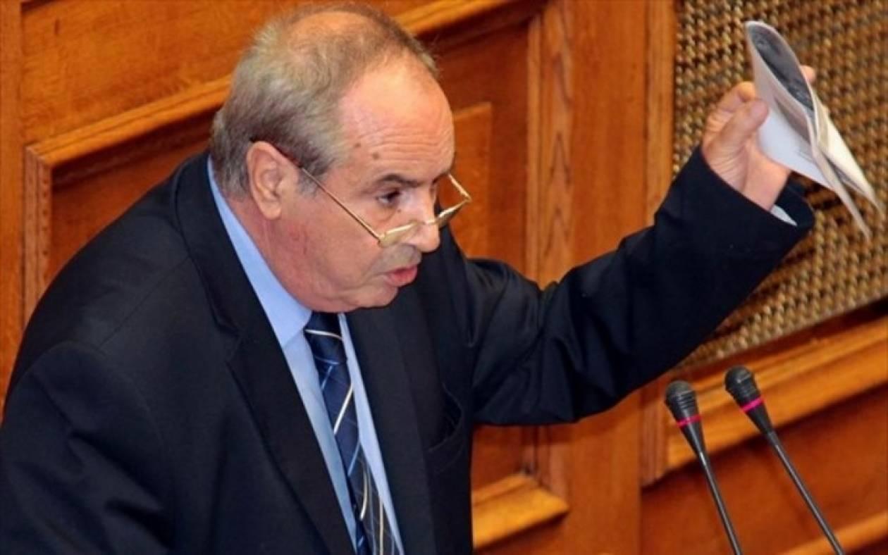 Ο Παναγούλης ζήτησε εθνικές εκλογές στη Βουλή
