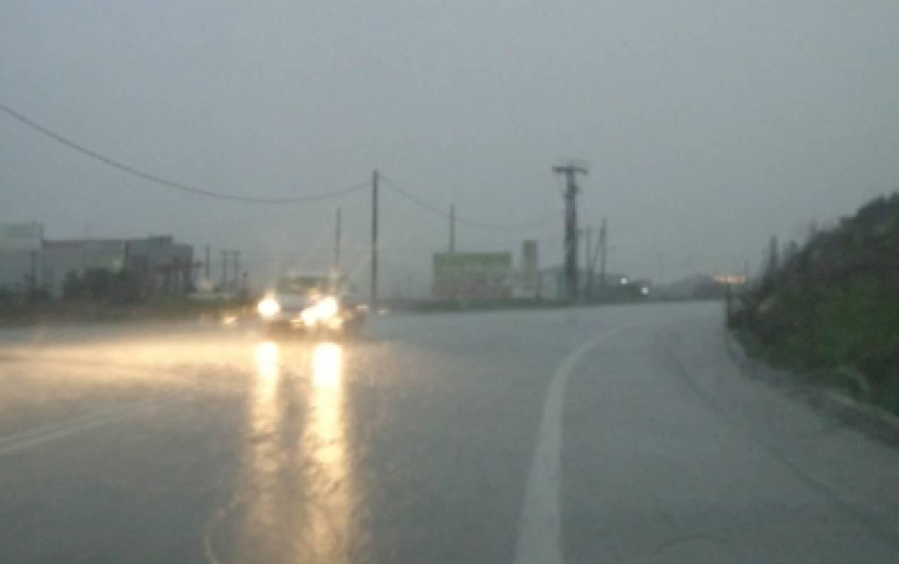 Σφοδρή καταιγίδα στη Λιβαδειά-Προβλήματα στην κυκλοφορία