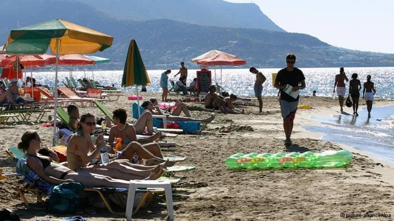 Ενας στους τέσσερις Έλληνες δεν θα πάει φέτος διακοπές