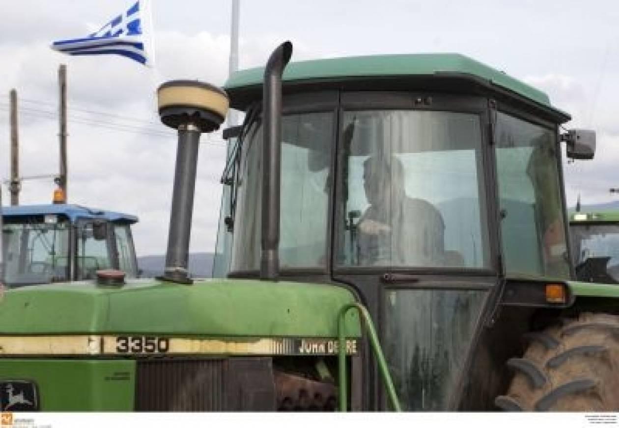 Απέκλεισαν τη ΔΟΥ Μεσσηνίας οι αγρότες