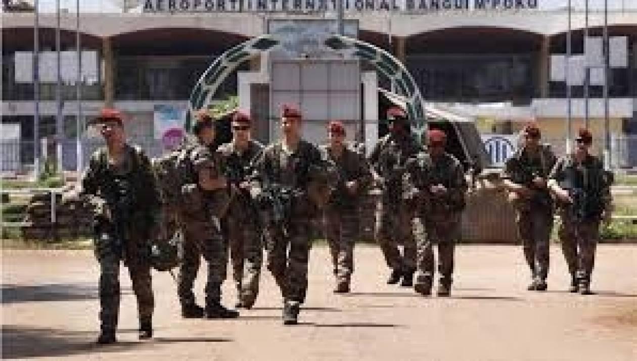 Το Παρίσι στέλνει 400 στρατιώτες στην Κεντροαφρικανική Δημοκρατία