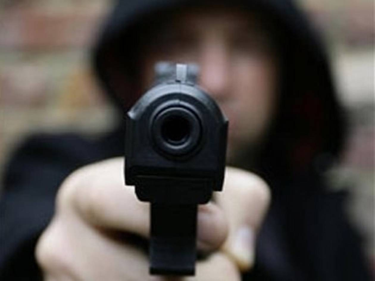 Ένοπλη ληστεία σε σούπερ μάρκετ στον Άλιμο