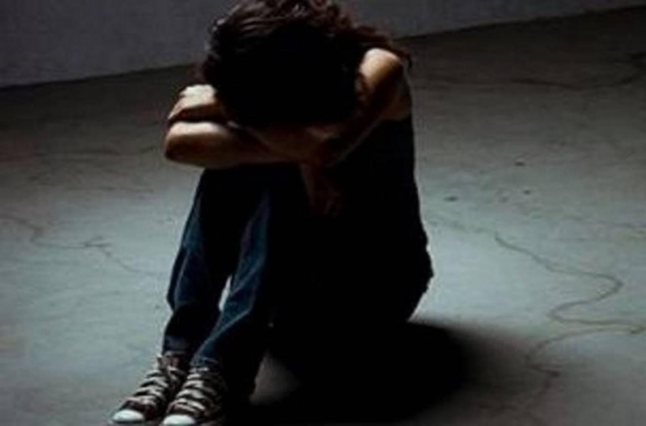 Δάσκαλος κατηγορείται για βιασμό 12 μαθητριών