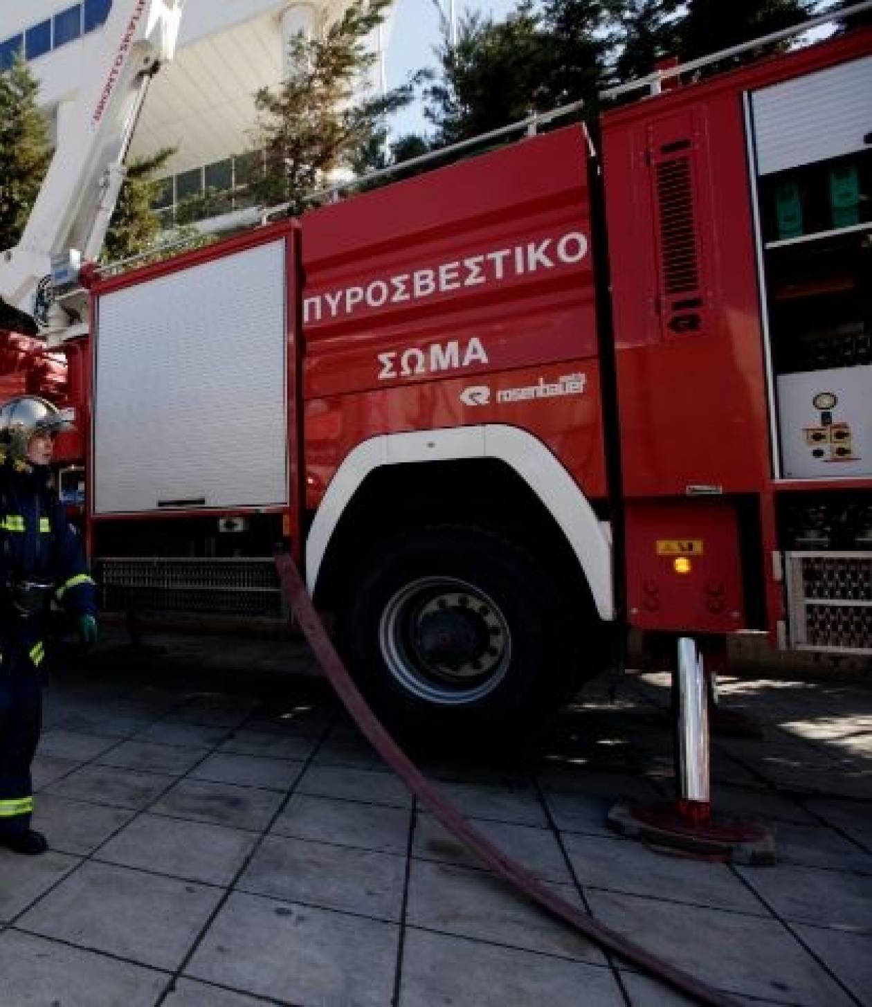 Εύβοια: Φωτιά σε εργοστάσιο στα Πολιτικά