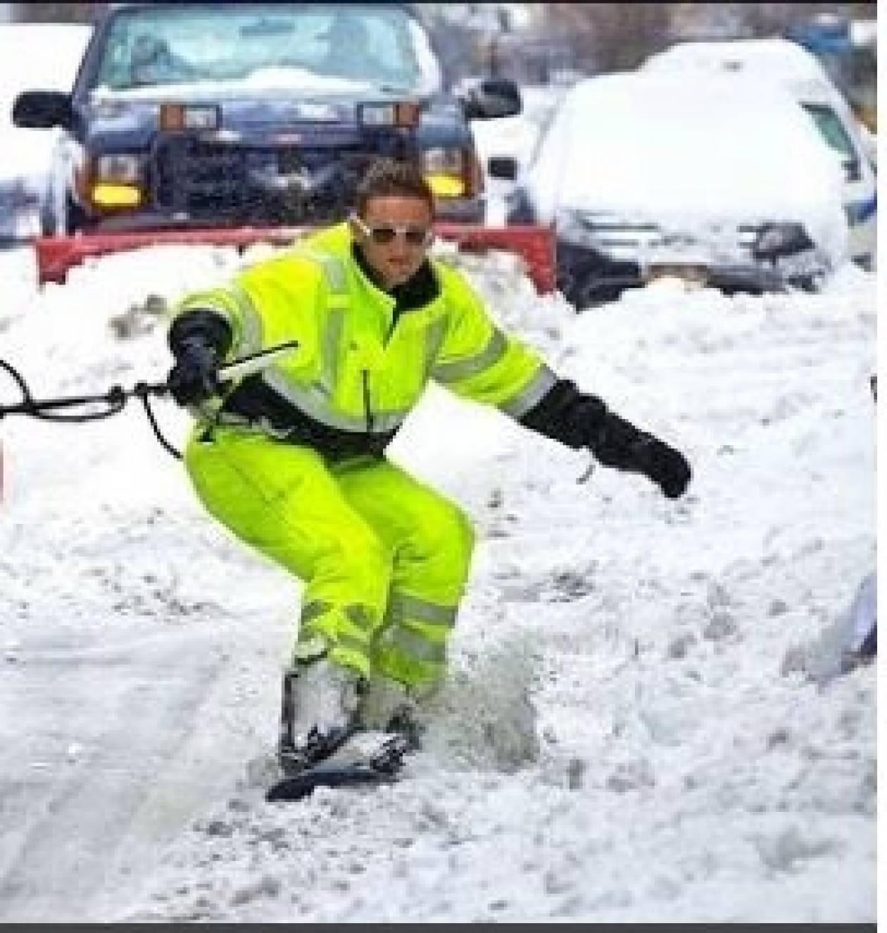 Κάνει snowboard στο κέντρο της Νέας Υόρκης!