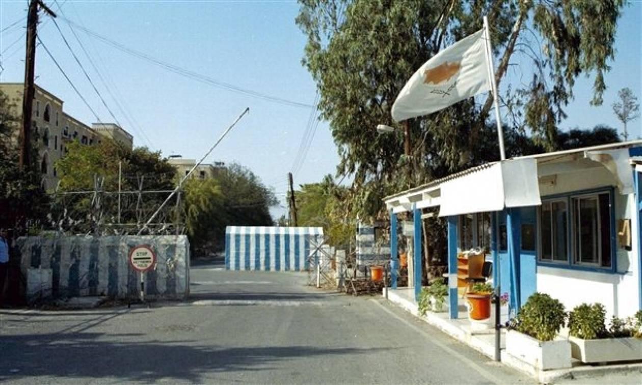 Μπλόκο στη «Νεκρή Ζώνη»: Έλληνες και Τούρκοι διαμαρτυρήθηκαν ειρηνικά!