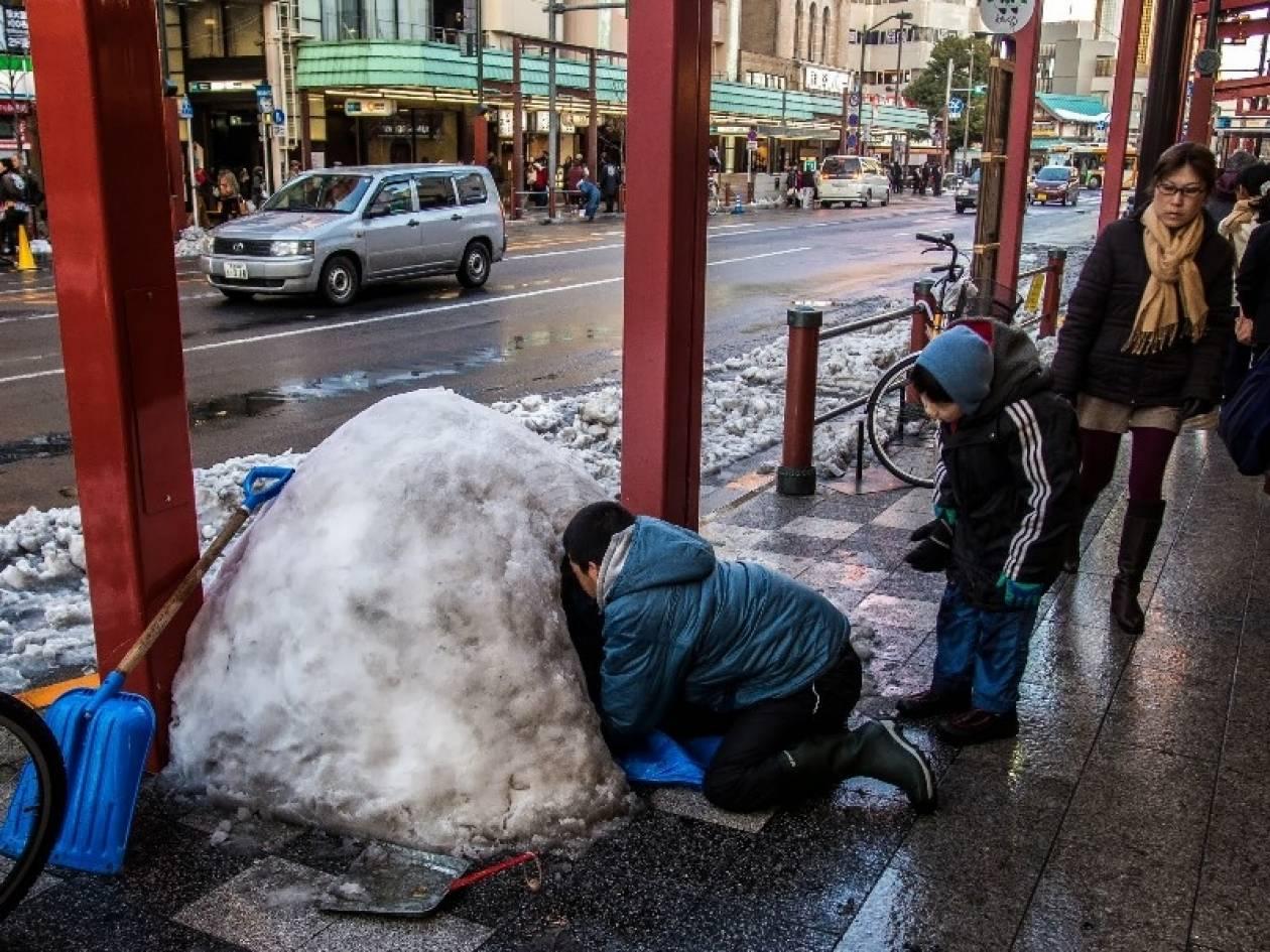 Θερίζει ο χιονιάς στο Τόκιο -12 οι νεκροί