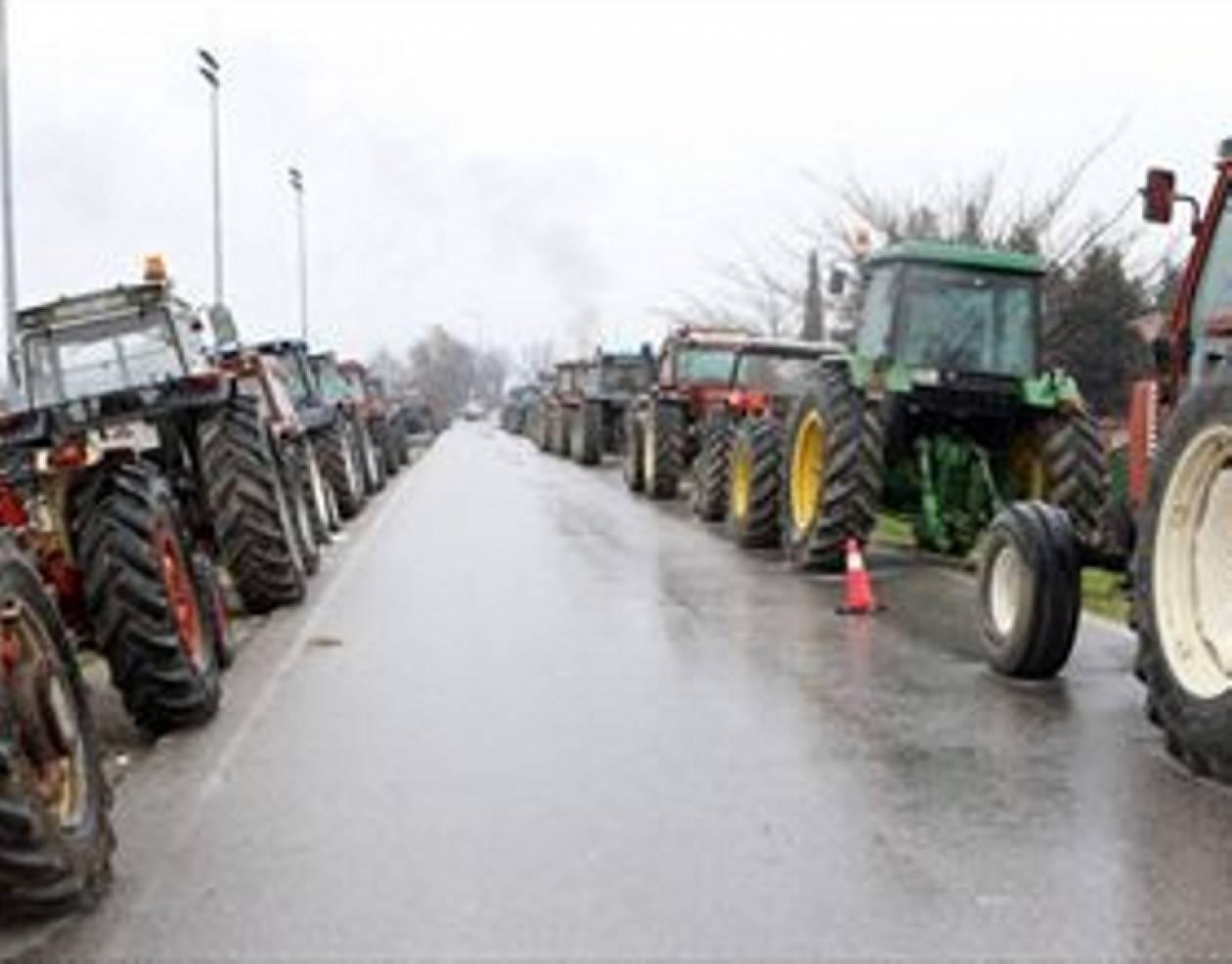 Θεσσαλονίκη: Αγρότες απέκλεισαν τον κόμβο της Κουλούρας