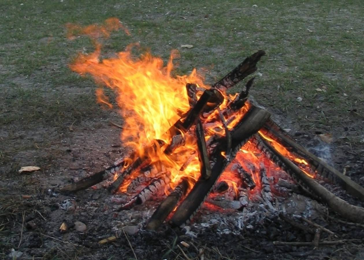 Τους έπιασαν να ληστεύουν και τους έκαψαν ζωντανούς!