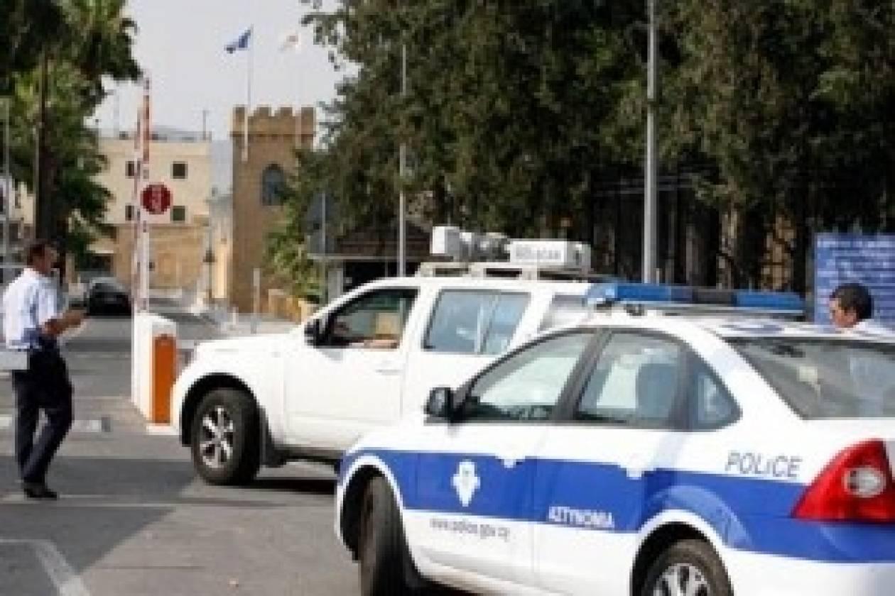 Κύπρος: Οι αστυνομικοί τα έχασαν όταν είδαν ένα τζιπ... χωρίς οδηγό!