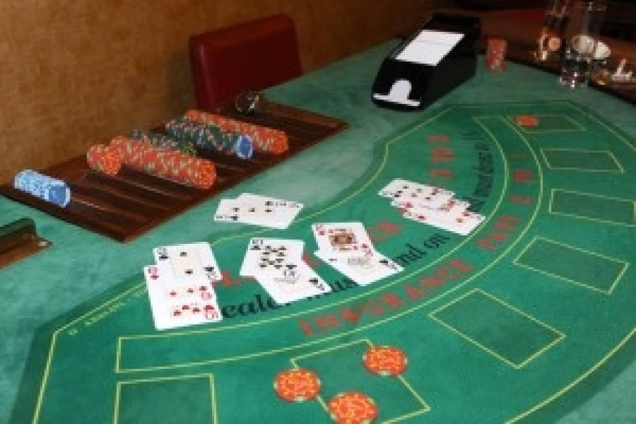 Δεκάδες συλλήψεις σε «μίνι καζίνο» στην Καλλιθέα