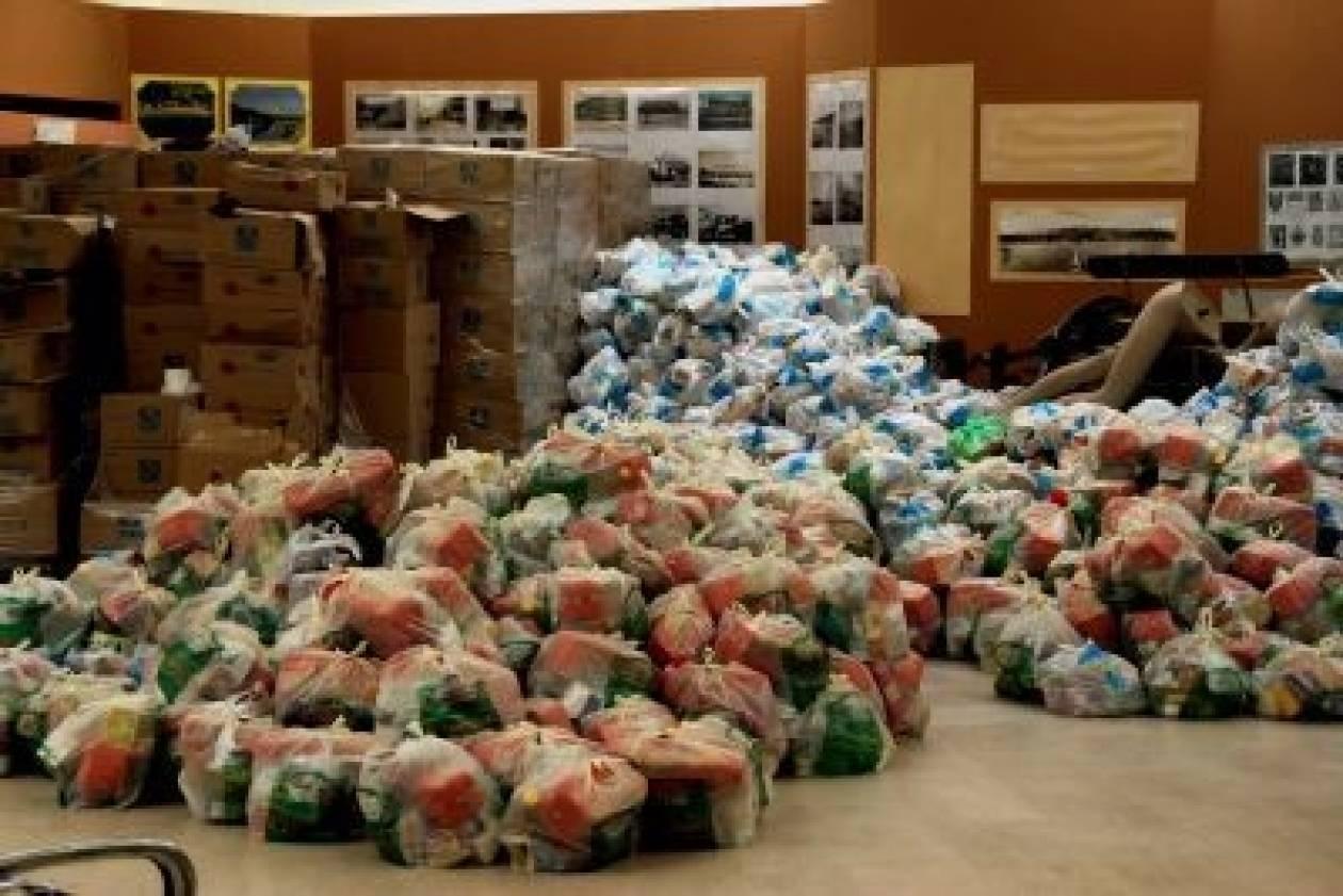 Τρόφιμα και είδη πρώτης ανάγκης για τους σεισμοπαθείς της Κεφαλονιάς