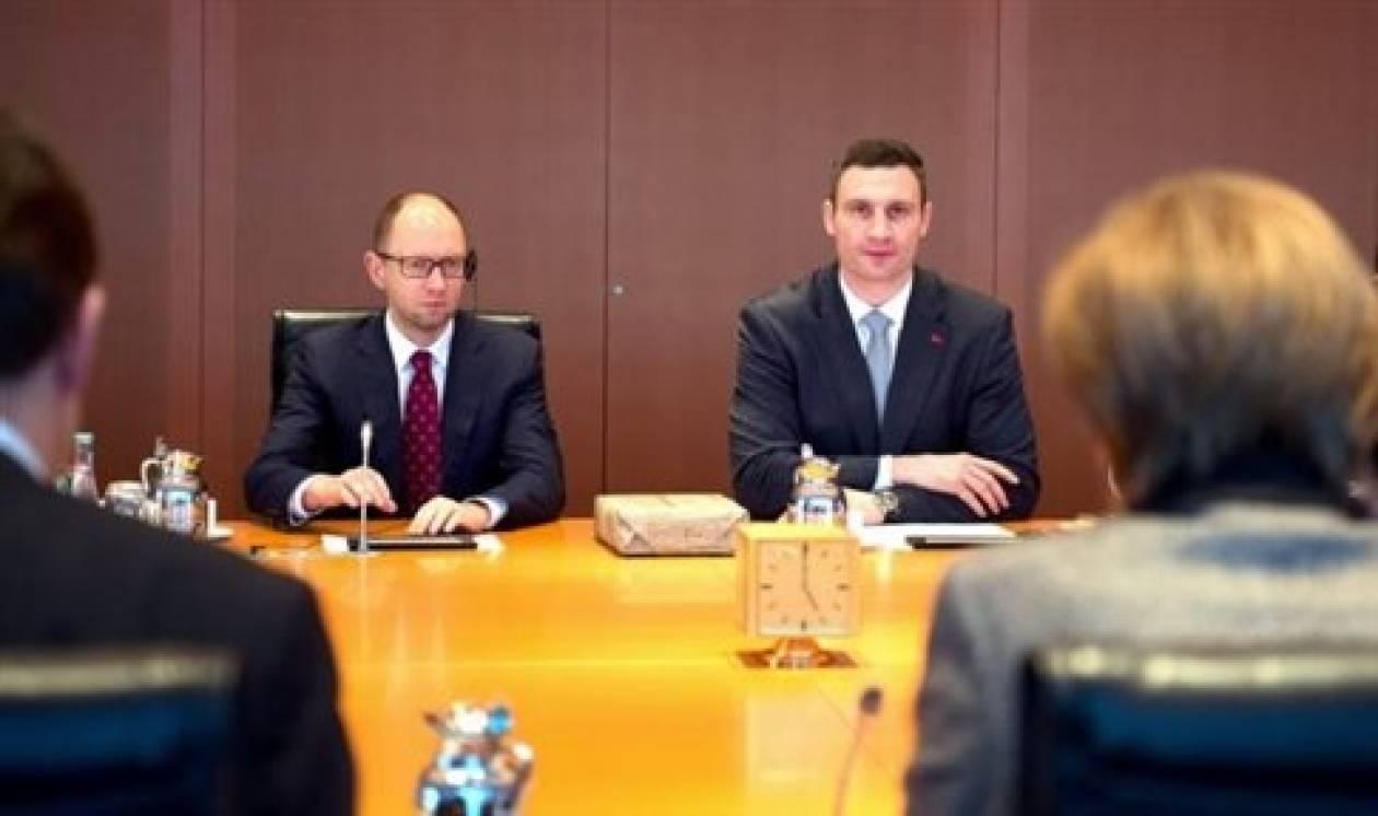 Τετ-α-τετ Μέρκελ και ουκρανικής αντιπολίτευσης