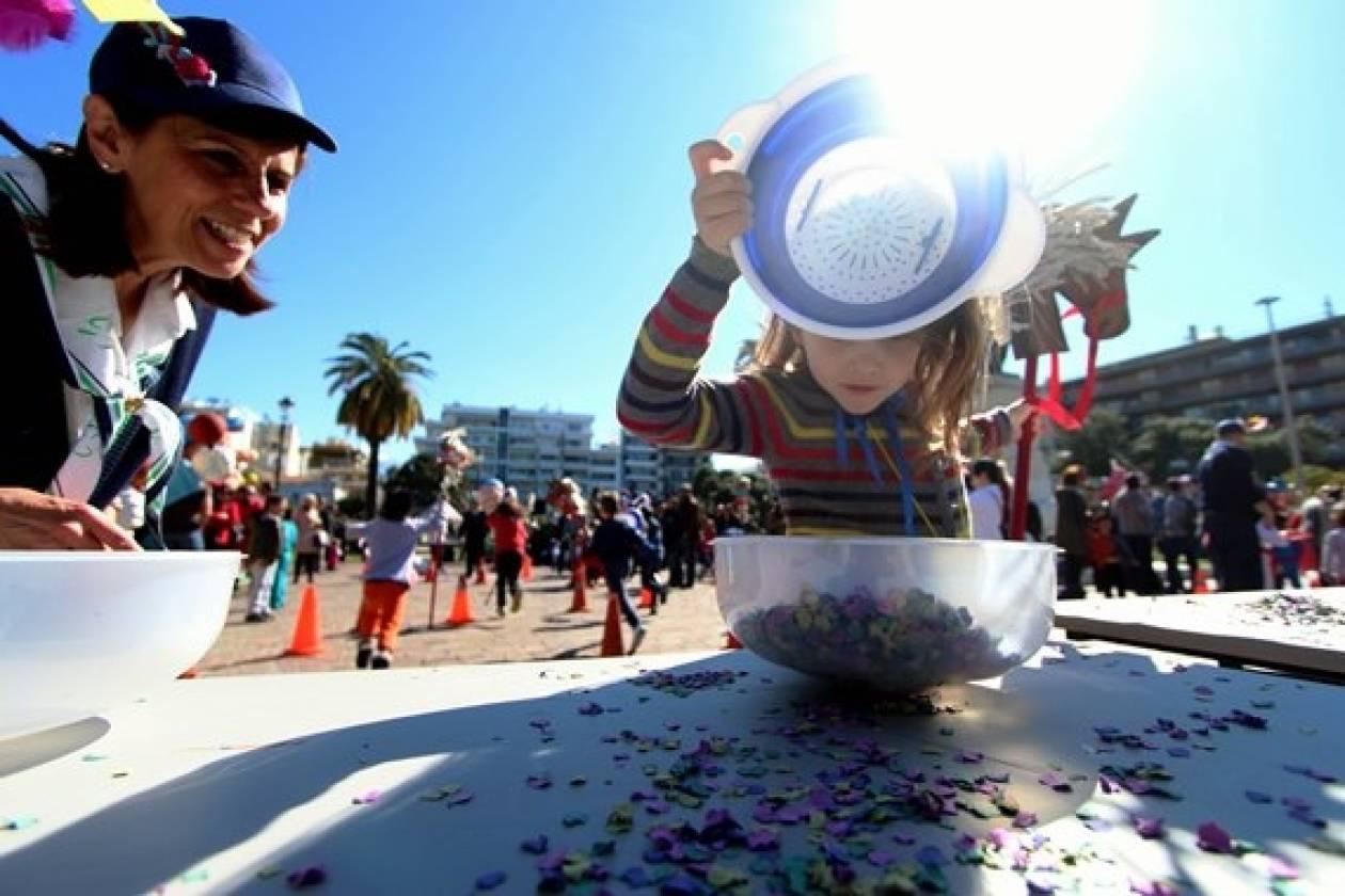 Απόκριες: Δείτε φωτό από τις προετοιμασίες για το καρναβάλι της Πάτρας