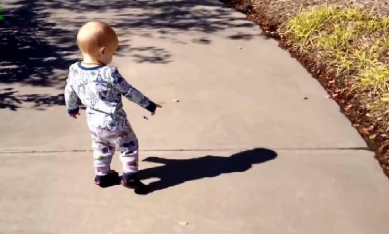 Όταν τα μωρά ανακαλύπτουν την σκιά τους. Ξεκαρδιστικές αντιδράσεις