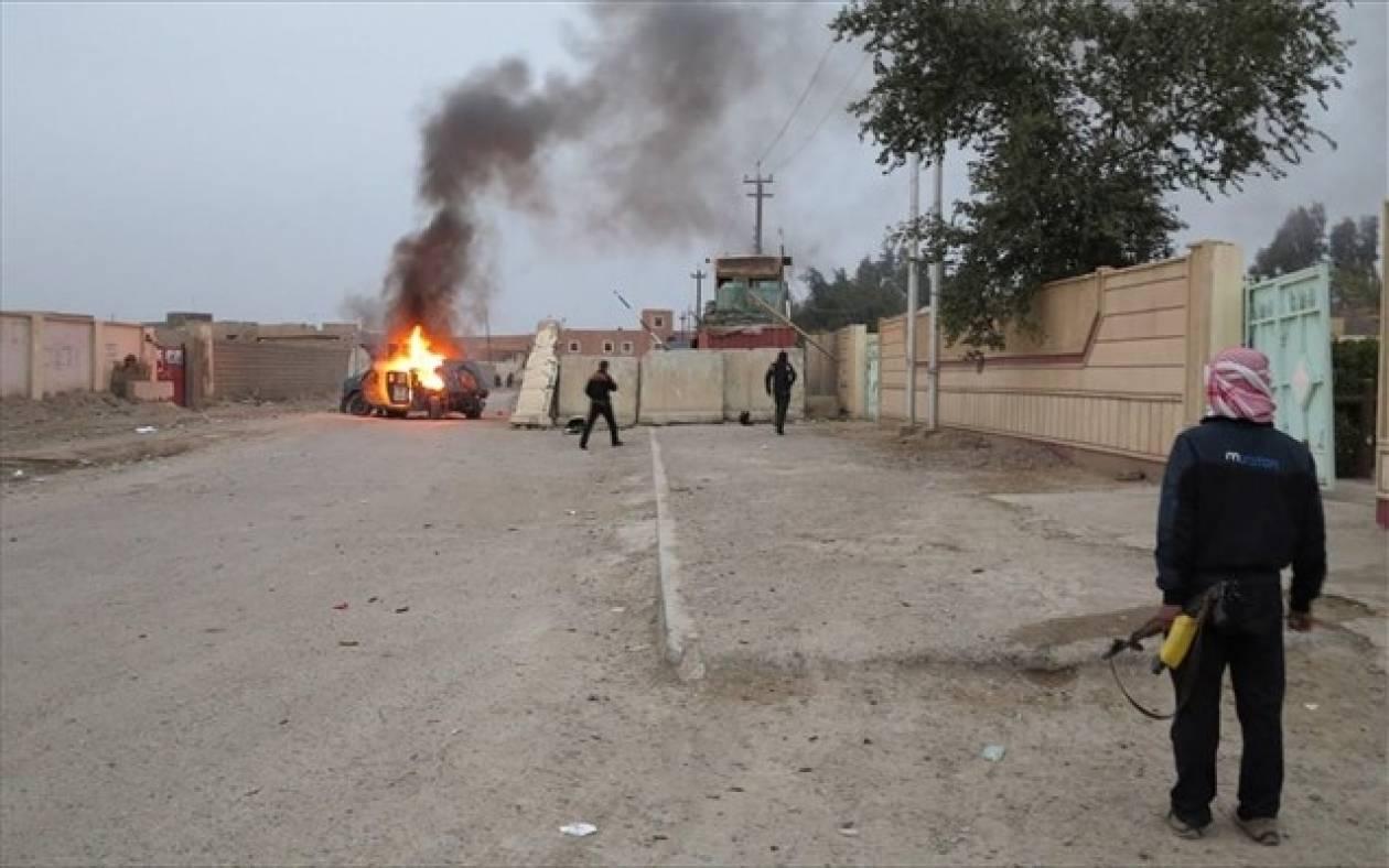 Ιράκ: Λουτρό αίματος από εκρήξεις σε Βαγδάτη και Χίλα