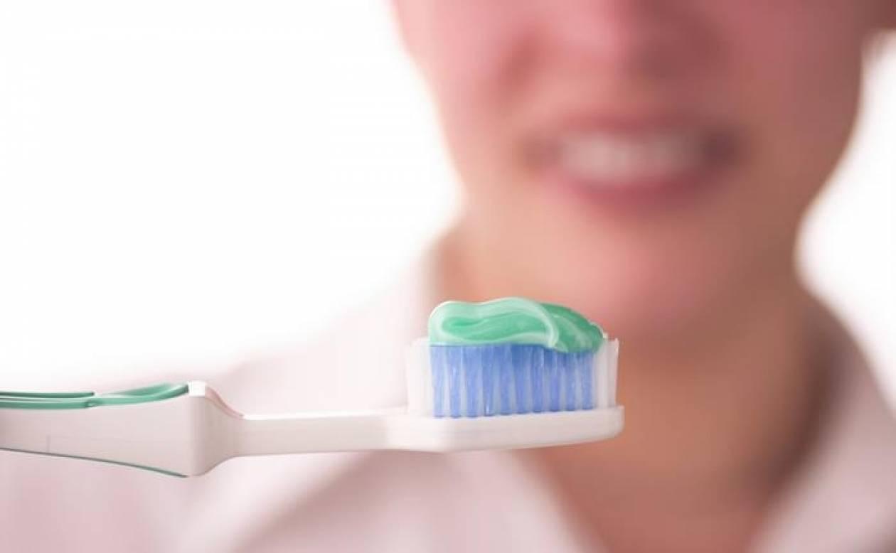 Πρέπει να πλένουμε τα δόντια αμέσως μετά το φαγητό;
