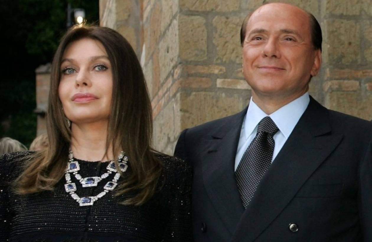 Βγήκε το διαζύγιο του Σίλβιο Μπερλουσκόνι και της Βερόνικα Λάριο