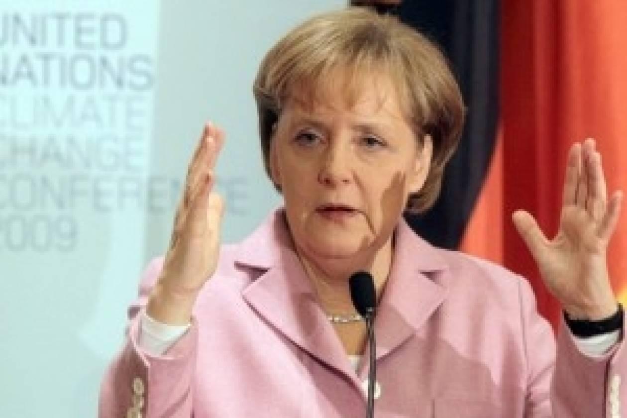 Ελαφρά δημοσκοπική πτώση για Μέρκελ και CDU