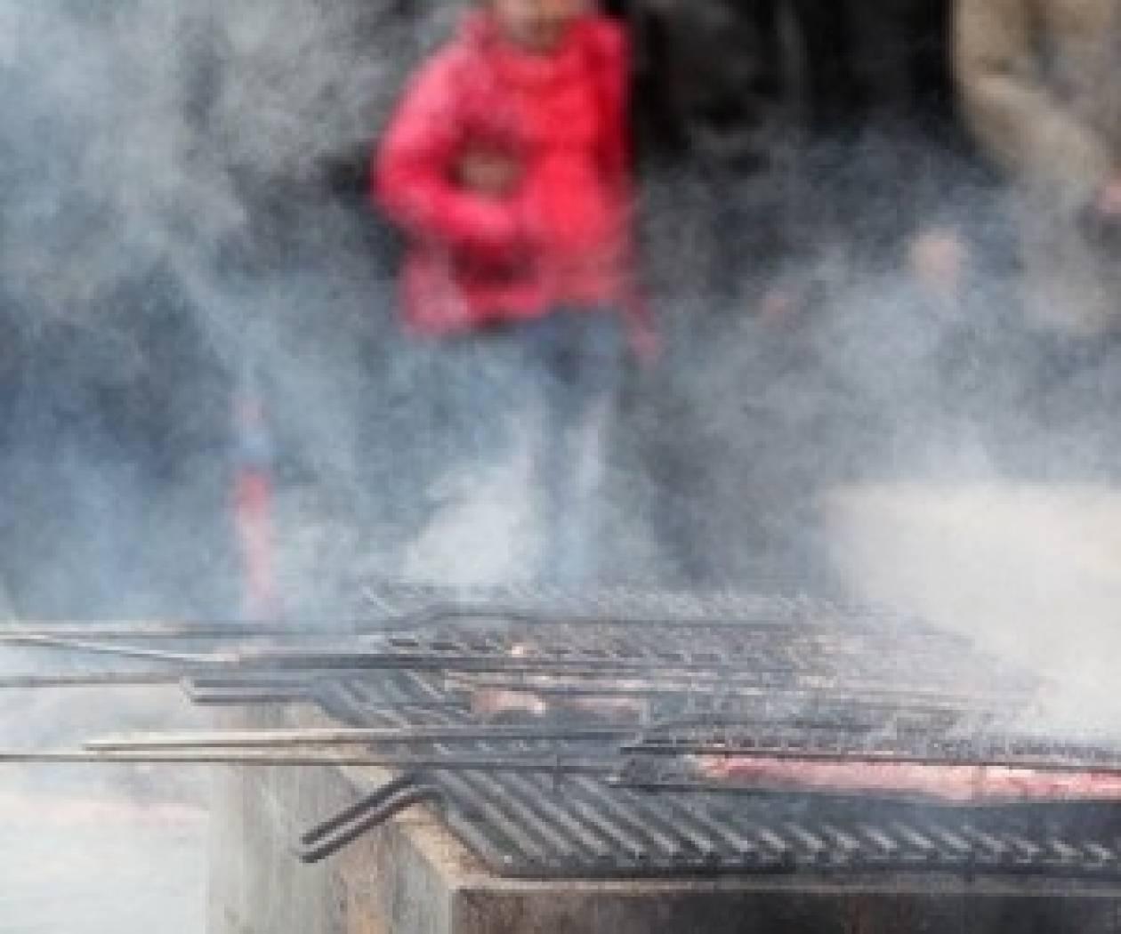 Τσικνοπέμπτη: Τα έθιμα της Πέμπτης της «Κρεατινής» – Τι γιορτάζουμε