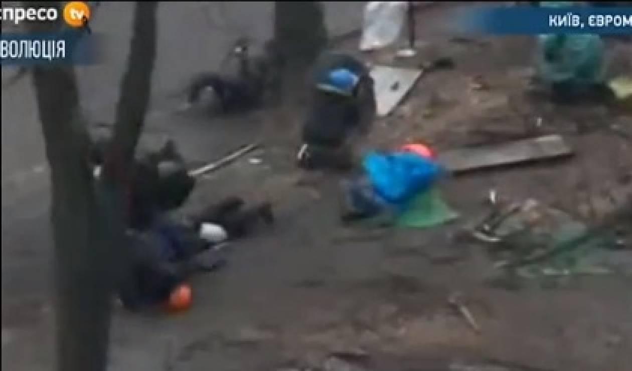 Κίεβο: Αναφορές για πυροβολισμούς στο πλήθος - Φόβοι για νέους νεκρούς