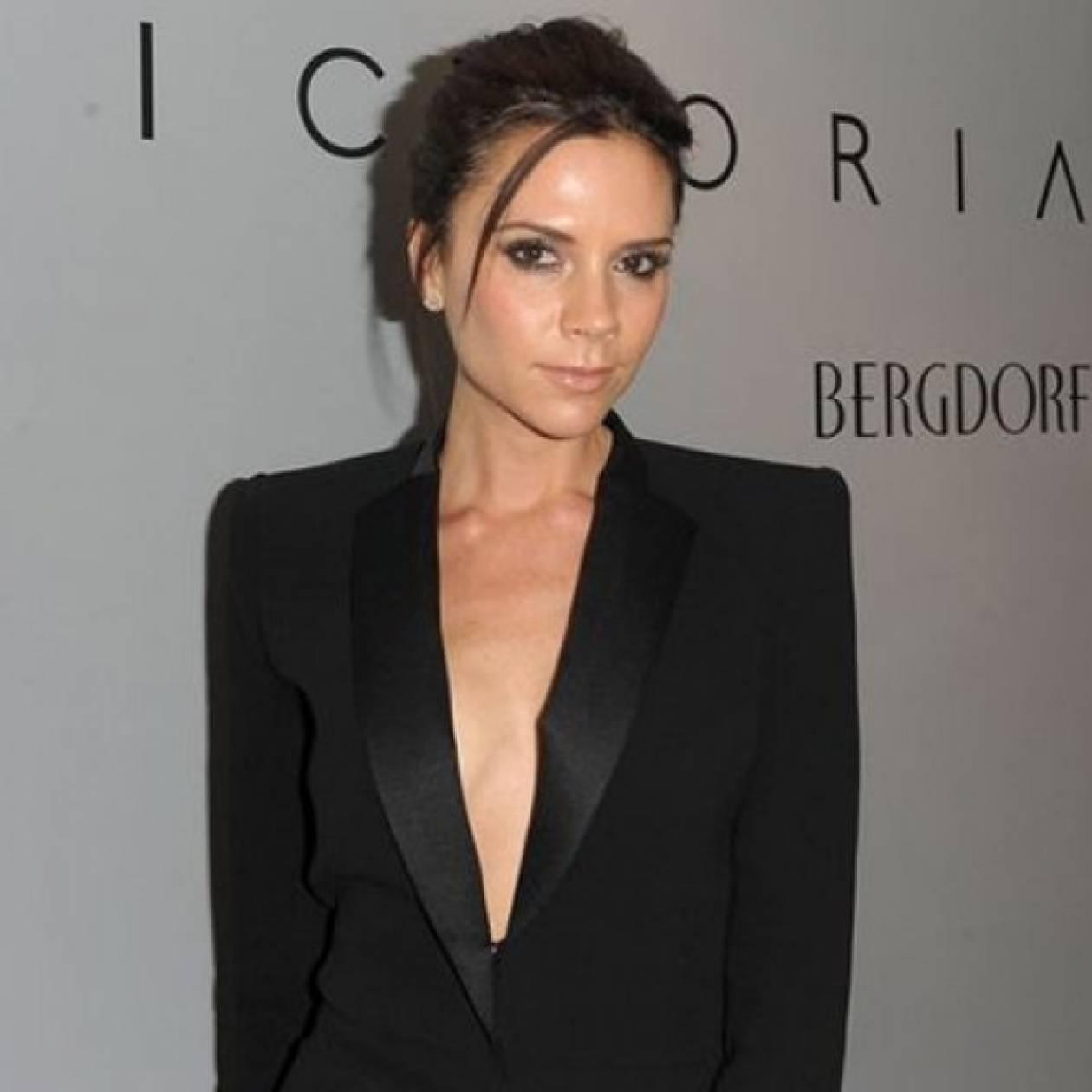 Η Victoria Beckham παραδέχεται πως αφαίρεσε τα ενθέματα σιλικόνης