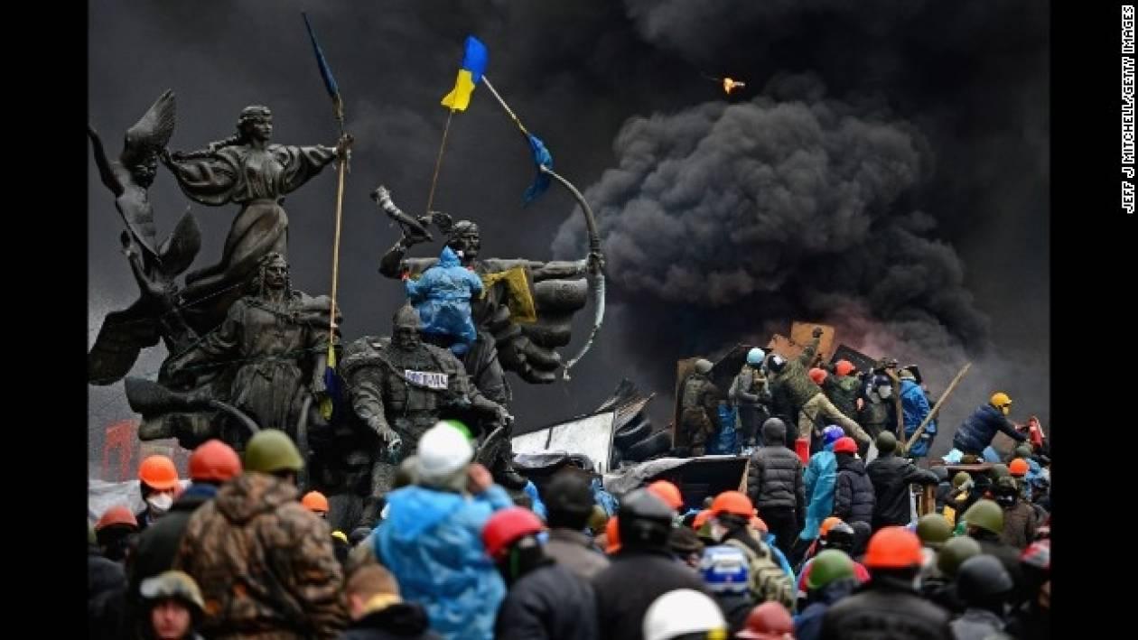 Συνεχίζεται η αιματοχυσία ! Πάνω από 50 οι νεκροί στο Κίεβο (vid)