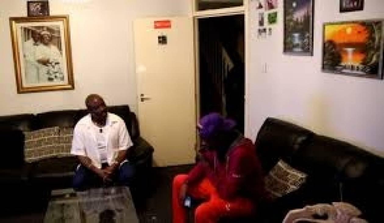 Bίντεο: Είπε στον πατέρα του ότι άφησε έγκυο την κοπέλα του και...