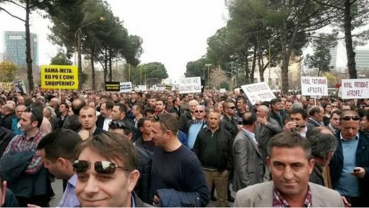 Αλβανία: 150 χιλιάδες Αλβανοί σε διαμαρτυρία κατά της κυβέρνησης Ράμα