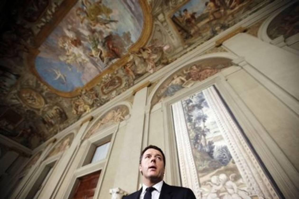 Ο Ρέντσι παρουσιάζει τη νέα κυβέρνηση στον Ναπολιτάνο