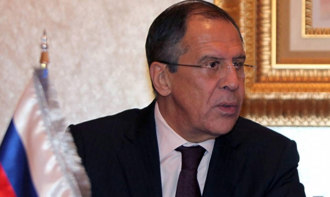 Χαιρετίζει αλλά δεν υπογράφει η Μόσχα τη συμφωνία για την Ουκρανία