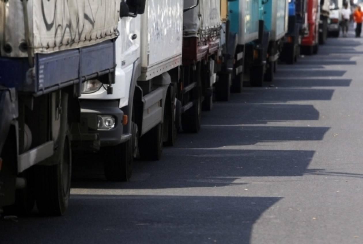 Πορεία με φορτηγά στο κέντρο της Λάρισας