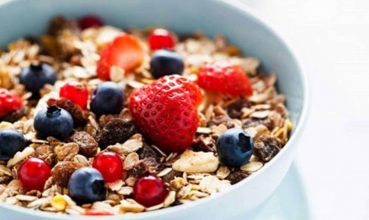 Συνταγή για υγιεινά δημητριακά για το πρωινό των παιδιών μας